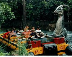 Jurassic park ride at Universal Studios Orlando, Florida♡ Parque Universal, Universal Parks, Disney Universal Studios, Universal Studios Florida, Disneyland Trip, Disney Vacations, Vacation Destinations, Vacation Ideas, Jurassic Park The Ride