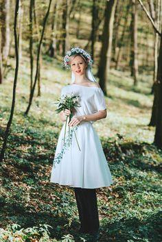 Folksofie, beautiful dress with floral folcloristic embroidery http://www.folksofie.cz/eshop/sukne--asymetrie/