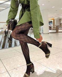 Image about fashion in style by . on We Heart It Look Fashion, High Fashion, Winter Fashion, Womens Fashion, Classy Fashion, French Fashion, Fashion 2020, Ladies Fashion, 90s Fashion