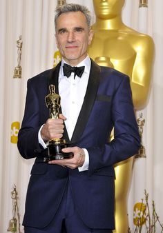 Daniel Day Lewis in Domenico Vacco at the Oscars 2013.  A vision in blue with black grosgrain shawl collar.