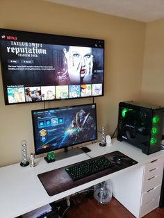 10 DIY Computer Desk Ideas for Home Office DO-IT-YOURSELF Computer Along with the advancement of personal computer and also Web, more and more people invest tons of time at the keyboard. Having an effective personal computer Computer Gaming Room, Computer Desk Setup, Gaming Room Setup, Pc Setup, Gaming Chair, Gaming Rooms, Ikea Gaming Desk, Chaise Gaming, Home Office Setup