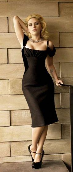 Tumblr Scarlett Johansson, Urban Outfitters Clothes, Female Actresses, Classy Dress, Sensual, Belle Photo, Cute Dresses, Midi Dresses, Long Dresses