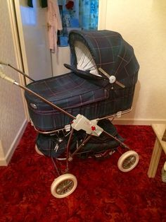 Vintage Style Pram/Pushchair/Stroller For Babies And Children New Green And Blue Vintage Style, Retro Vintage, Vintage Fashion, Pram Stroller, Baby Strollers, Vintage Pram, Prams And Pushchairs, Baby Prams, Travel System