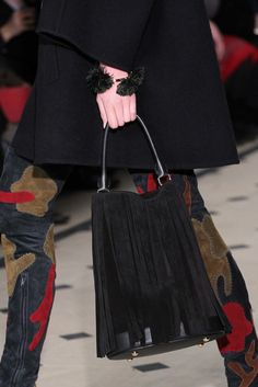 Burberry Prorsum Fall 2015 Ready-to-Wear Fashion Show Details