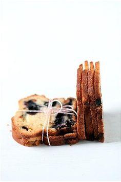 toasted blueberry pound cake