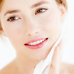 Having a healthy and beautiful skin is any woman's dream. But it is not always possible to find time to go to the salon, dermatologist or aesthetic clinic