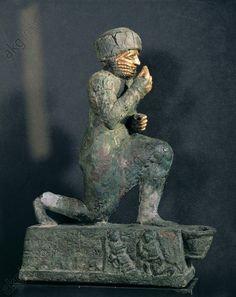 Praying Man, possibly King Hammurabi. Old Babylonian sculpture, 1792–1750 BC. Finding place: Larsa. / Musée du Louvre