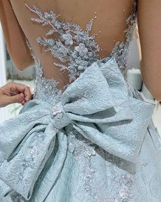 It's worth waiting to get it right. Couture Dresses, Bridal Dresses, Wedding Gowns, Fashion Dresses, Girls Dresses, Prom Dresses, Formal Dresses, Dresses Elegant, Pretty Dresses