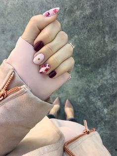 Winter Floral Nail Art | hand painted nails | real nails | caviar studs | nail design inspiration