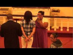 Emily Peña Aqui manda JEHOVA - YouTube