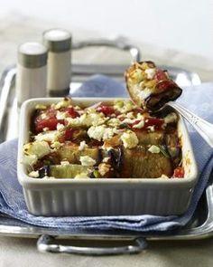 Auberginenröllchen mit Bulgurfüllung auf Tomatensoße mit Schafskäse überbacken Rezept - Auch mit Hirse sehr lecker!