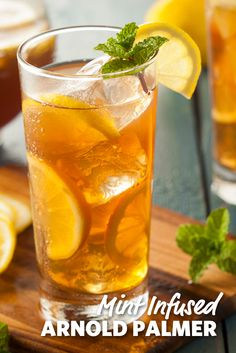 So leicht könnt ihr das Trendgetränk selber machen If the thermometer climbs over 25 degrees it will be high time for a refreshing ice tea! Juicer Recipes, Detox Recipes, Tea Recipes, Smoothie Recipes, Ginger Juice Benefits, Coconut Health Benefits, Lemon Benefits, Tea Benefits, Juicing For Arthritis