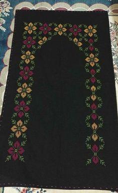 Cross Stitch Geometric, Crewel Embroidery, Bargello, Filet Crochet, Baby Knitting Patterns, Cross Stitch Designs, Machine Embroidery Designs, Bohemian Rug, Plastic Craft