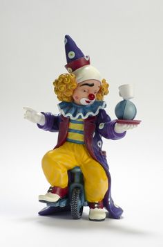 Balancing Act   Reference: 726430 Sizes: 19 cm - 7 4/8 Limited edition: Numbered edition  http://thecollectorsboutique.com/en/63-the-art-of-enchantment  #decoration #sale #porcelain #home decor #clown #figurine