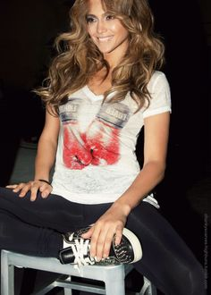 Jennifer lopez: super cute! Comfy workout look!
