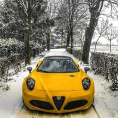 Alfa 4c, Alfa Romeo 4c, Alfa Romeo Cars, Yellow Car, Fast Cars, Sport Cars, Cars And Motorcycles, Dream Cars, Italian Beauty