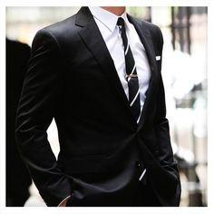 #Estilo #Moda #Hombre #Daniel #Hechter #Traje #Formal #camisa #corbatin #elegante