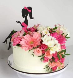 Best 12 Colourful flower cake with a female silhouette – Page 298715387781008374 – SkillOfKing. Buttercream Cake, Fondant Cakes, Cupcake Cakes, Cupcakes, Pretty Cakes, Beautiful Cakes, Amazing Cakes, Diva Cakes, Silhouette Cake
