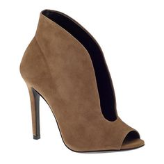 77a0c5e39093 Tuesday Shoesday  Fashion  heels  ankle booties  Schutz Noire  Fall Fashion