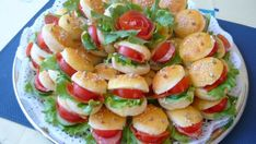 Appetizer Recipes, Appetizers, Mini Burgers, Cooking Recipes, Healthy Recipes, Food Humor, Party Snacks, Caprese Salad, Finger Foods