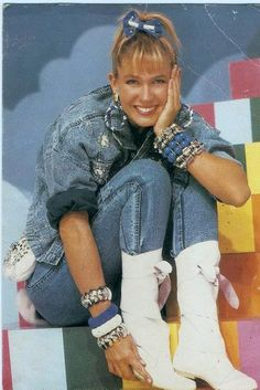 classic xuxa... My abuelita and I would watch this together! Haha love Xuxa