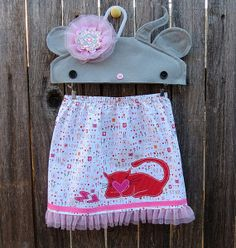 Kitty Loves Valentines by FreckledChicken on Etsy, $26.00