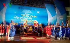 """Ha Noi Traditional Craft Village Tourism and Culture Festival 2015 kicks off   (TITC) – On Oct. 7th 2015, Ha Noi Traditional Craft Village Tourism and Culture Festival 2015 kicked off with the Opening ceremony at Quan Ngua Sport Palace, Ha Noi under the theme """"Traditional quintessence – Integration and Spread"""".    Vietnam Tour Expert Help: www.24htour.com Halong Bay Cruises Tour  Expert Help: www.halongcruises.com.au  #vietnamtravelnews #vntravelne"""