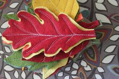 Tutorial for felt leaf garland, so easy, could be used in many different ways.