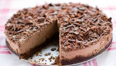Pastís de mousse de xocolata sencer No Bake Desserts, Vegan Desserts, Vegan Recipes, Vegan Pie, Vegan Food, Chocolate Mousse Cake, Baked Goods, Sweet Recipes, Favorite Recipes