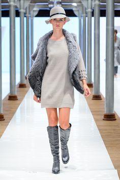 Pokaz Nowej kolekcji butów Apia jesień-zima 2015-16. #buty #obuwie #muszkieterki #kozaki #trend #fashion #steetstyl #shoes  #casual #szary #glamour #kapelusz