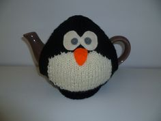 Penguin tea cosy (special request)