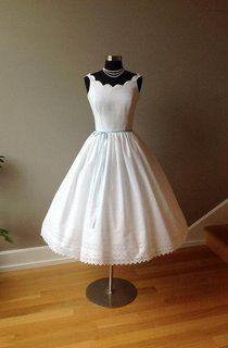 Vintage Tulle Short Sleeve V-Neck A-Line Dress With Pleats