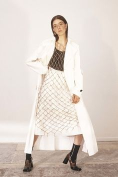 Ellery Resort 2019 Fashion Show Collection: See the complete Ellery Resort 2019 collection. Look 12 Bold Fashion, Minimal Fashion, Star Fashion, High Fashion, Fashion Outfits, Fashion Tips, Fashion Design, Fashion Trends, Haute Couture Style