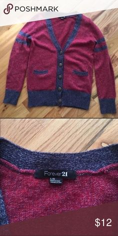NWOT | Forever 21 Sweater Thick & Extremely Cozy = Perfect for the colder seasons Forever 21 Sweaters V-Necks