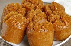 INDONESIA BANGET, :: Apem Gula Jawa :: Bahan: 1. tepung beras 150 gram 2. tepung terigu 100 gram ( protein sedang ) 3. air kelapa 175 ml 4. gula jawa 150 gram 5. ragi instan 1/2 sdt 6. daun pandan 1 lembar 7. garam 1/2 sdt 8. Santan 180 ml 9. bumbu spekuk 1 sdt 10. baking powder 1 sdt Bahan taburan : 1. garam 1/4 sdt 2. kelapa parut 100 gram 3. daun pandan 1 lembar Cara membuat: 1. Pertama rebus gula Jawa dengan air kelapa serta masukkan daun pandan sambil diaduk hingga gula melarut 2…