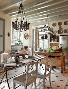 French Country Kitchen 120 (French Country Kitchen design ideas and photos Country Kitchen Farmhouse, French Country Kitchens, French Country House, Country Style, French Cottage, European House, Farmhouse Decor, Swedish Kitchen, European Style