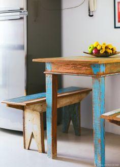 24-decoracao-cozinha-pequena-mesa-madeira-demolicao