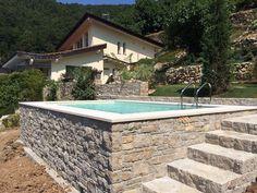 Piscina Dolcevita Gold, terrazzata, 3x5 metri con bordi e pannellature estetiche a cura del rivenditore IdroTec di Trescore Balneario (BG).