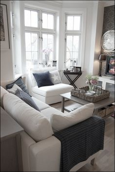 38 ideas living room layout with bay window pillows Bay howtoarrangelivingroomfurnitureb&; 38 ideas living room layout with bay window pillows Bay howtoarrangelivingroomfurnitureb&; Barbara Brown my pins 38 ideas living […] room layout with bay window Small Living Room Layout, Small Living Rooms, Living Room Grey, Home Living Room, Apartment Living, Living Room Designs, Living Room Decor, Family Rooms, Modern Living