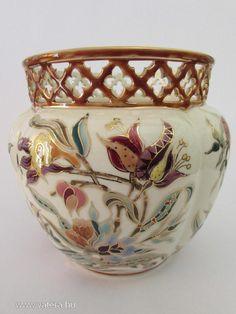 Antik Zsolnay szignózott porcelán kaspó 17cm - 15000 Ft - Nézd meg Te is Vaterán - Váza, hamutál - http://www.vatera.hu/item/view/?cod=2078846189