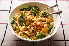 Lobster Pasta with tomatoes and basil