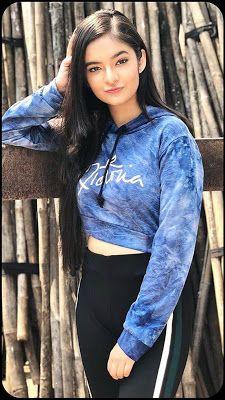 Anushka Sen Hot Photos And Images For Mobile Stylish Photo Pose, Stylish Girls Photos, Stylish Girl Pic, Cute Little Girl Dresses, Cute Little Girls, Cute Girl Face, Cute Girl Photo, Girl Pictures, Girl Photos