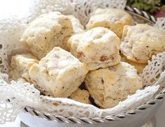 A nod to the old south, these Country Ham Scones elevate a southern staple ingredient in this priceless afternoon tea necessity. Tea Recipes, Breakfast Recipes, Snack Recipes, Scone Recipes, Breakfast Pastries, Derby Recipe, Country Ham, Savory Scones, Thing 1