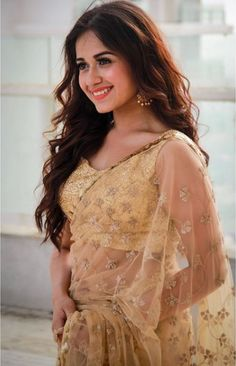 Jannat Zubair in Beautiful Saree Beautiful Girl Photo, Beautiful Girl Indian, Beautiful Saree, Beautiful Indian Actress, Stylish Girls Photos, Stylish Girl Pic, Teen Celebrities, Indian Celebrities, Cute Girl Poses