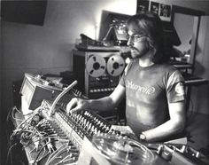 chipsandbeermag:  Alan Howarth mixing Escape from New York