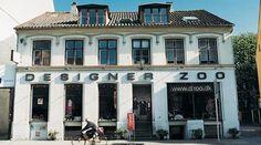 A unique concept underlies this stunning design store in Copenhagen. Danish design and crafts united under one roof. The Designer Zoo boasts two vast Danish Interior Design, Shop Interior Design, Design Shop, Great Places, Places To Go, Copenhagen Design, Copenhagen Denmark, Shopping Street, Urban Design