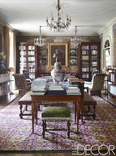 (Can always dream) Maximalist Decor Vintage Dining Rooms - Inspirational Maximalist Decor Vintage Dining Rooms, House tour A Ce Crumbling Milan Apartment Gets A Maximalist Milan Apartment, Apartment Design, Living Room Sets, Living Room Designs, Table In Living Room, Home Interior Design, Interior Decorating, Interior Livingroom, Design Interiors