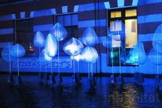 Amsterdam Lights Festival is set during the darkest time of the year, when there is little natural light out. 95% of LED lights used are from renewable energy sources and the festival actively seeks out second homes for the artwork. Otherwise, the works are found a permanent home somewhere in the city.