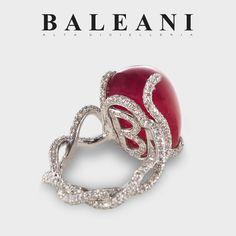 At @baleanialtagioielleria. Beautiful details in #InfinityRing #BaleaniAltaGioielleria