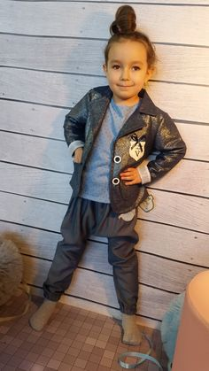 Błyszcząca marynarka Voga-dziewczynka Hipster, Style, Fashion, Tunic, Swag, Moda, Hipsters, Fashion Styles, Hipster Outfits